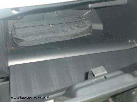 vano portaoggetti Renault Nuova Clio