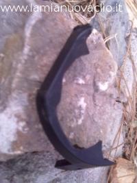 mascherina dello specchietto rotta