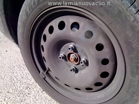 ruota clio senza copricerchio